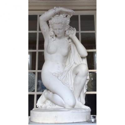 Grande Sculpture En Marbre De  Jeune  Fille 19 ème Siècle