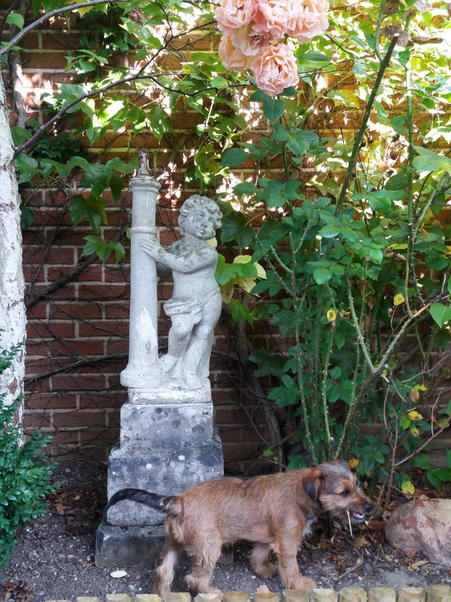 Garden Statue .... Putti