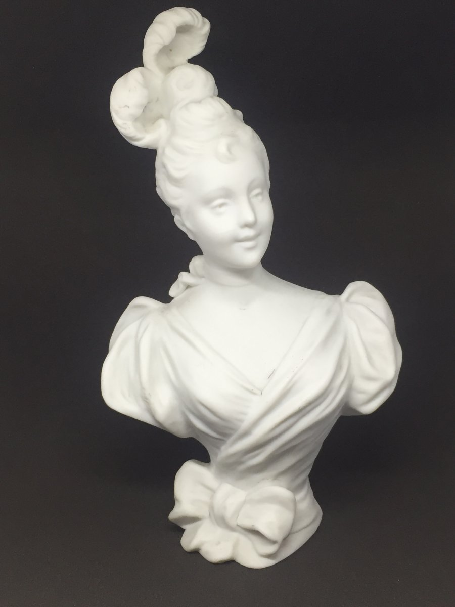 Buste En Biscuit Femme 1900 D'après Kinsburger