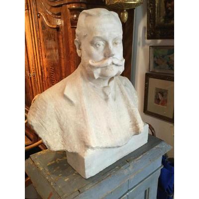 Buste en marbre blanc signé Teles artiste hongrois