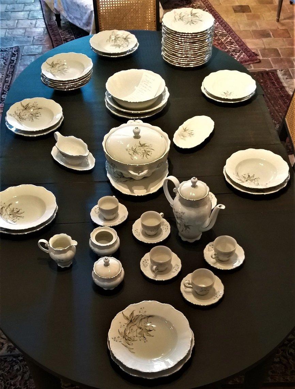 Service De Table En Porcelaine