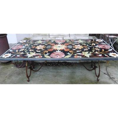 Table en marqueterie de marbres