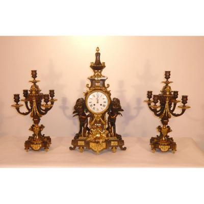 Garniture De Cheminée De Style Louis XVI Aux Attributs