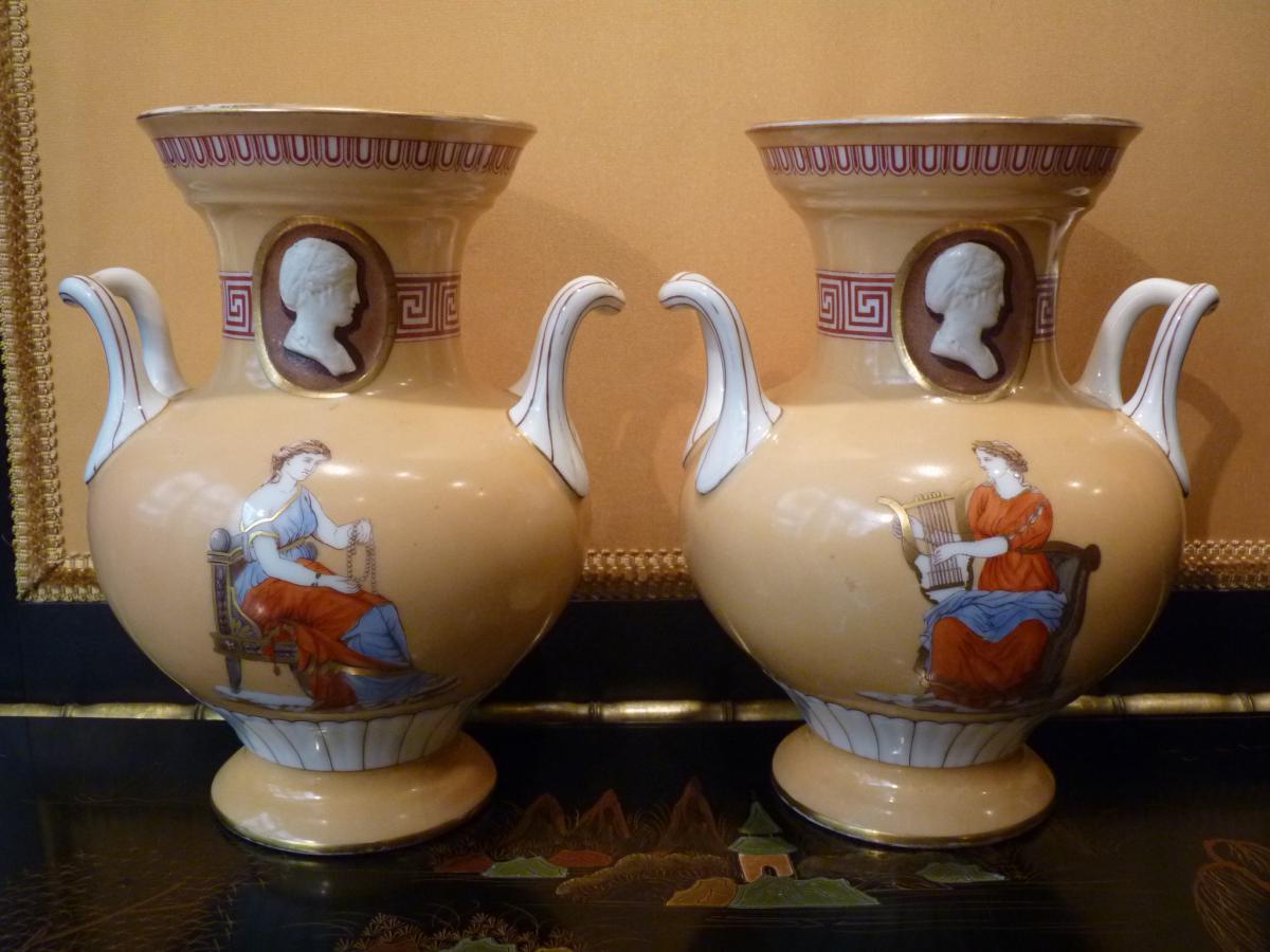 Paire De Vases à Décor Néo-grec, Porcelaine De Paris, époque Napoléon III