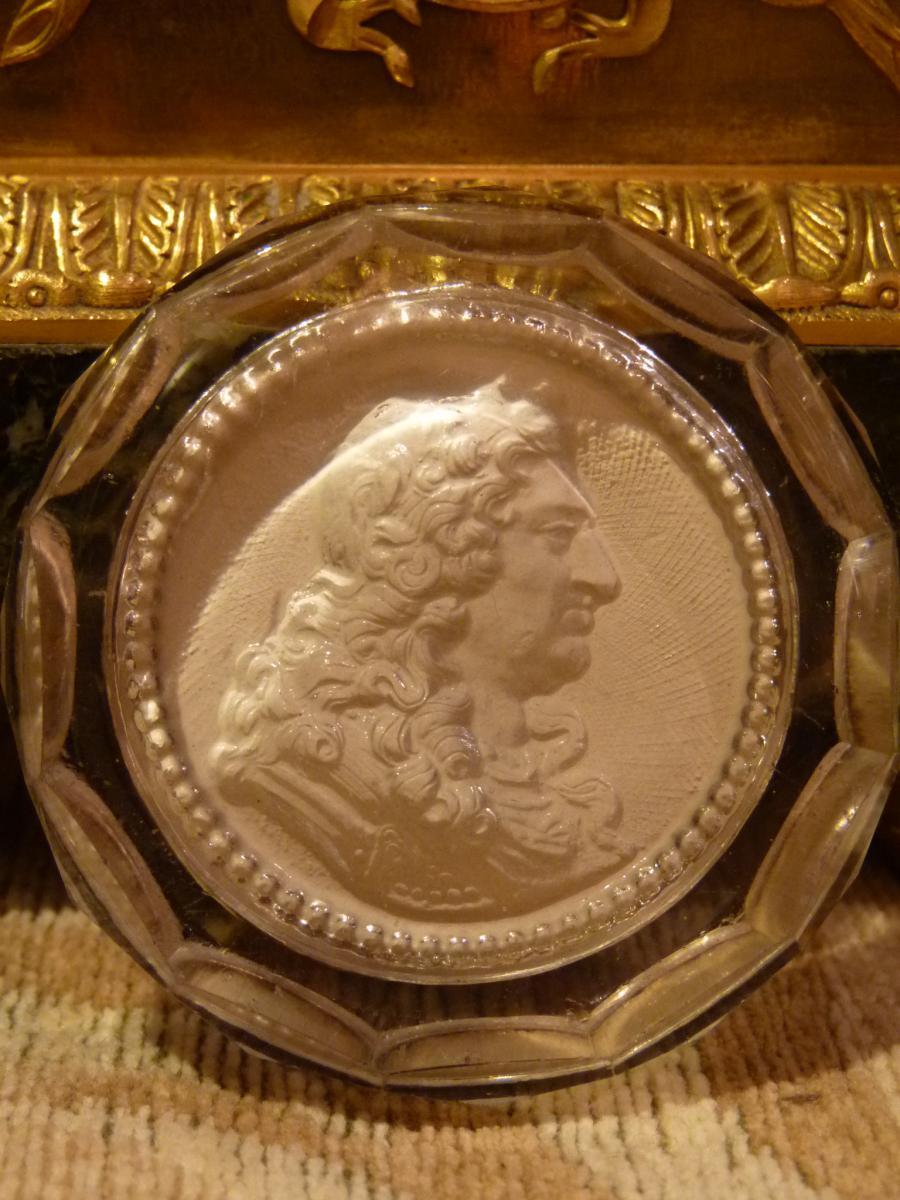 Médaillon Cristallo-cérame, Louis XIV, époque Restauration