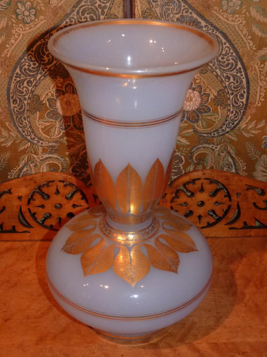French Napoleon III Opaline glass vase Belle #2246152