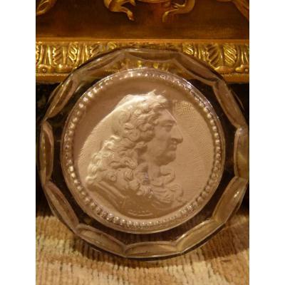Cristallo Medallion-porcelain, Louis XIV, Restoration Period