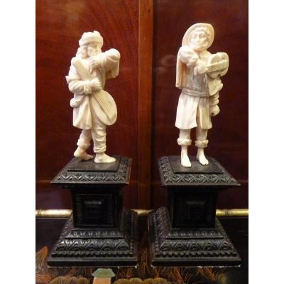 Paire de sculptures en Ivoire, La Rixe Des Musiciens, Allemagne 18e Siècle