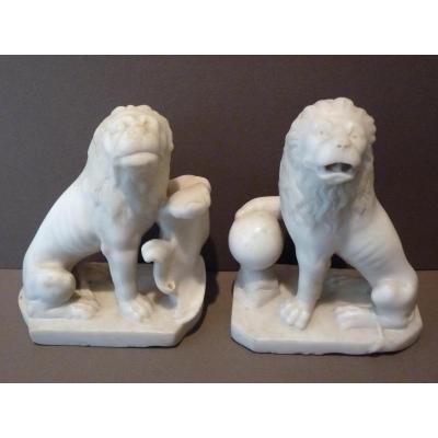 Paire de Lions, Sculpture Marbre Blanc, Italie 19e Siècle