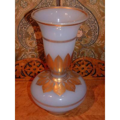 Vase En Opaline, époque Charles X