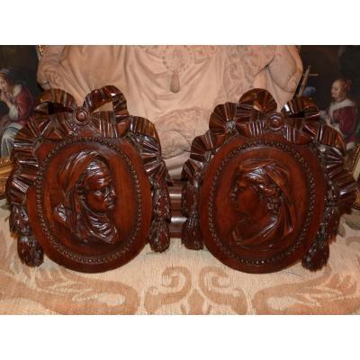 Paire De Médaillons Sculptés Sur Bois, 18ème Siècle