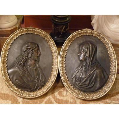 Paire de Médaillons, Bronze Doré Patiné, Le Christ Et La Vierge, époque Restauration