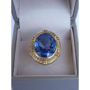 Important Blue Topaz And Diamond Ring, 18k Gold