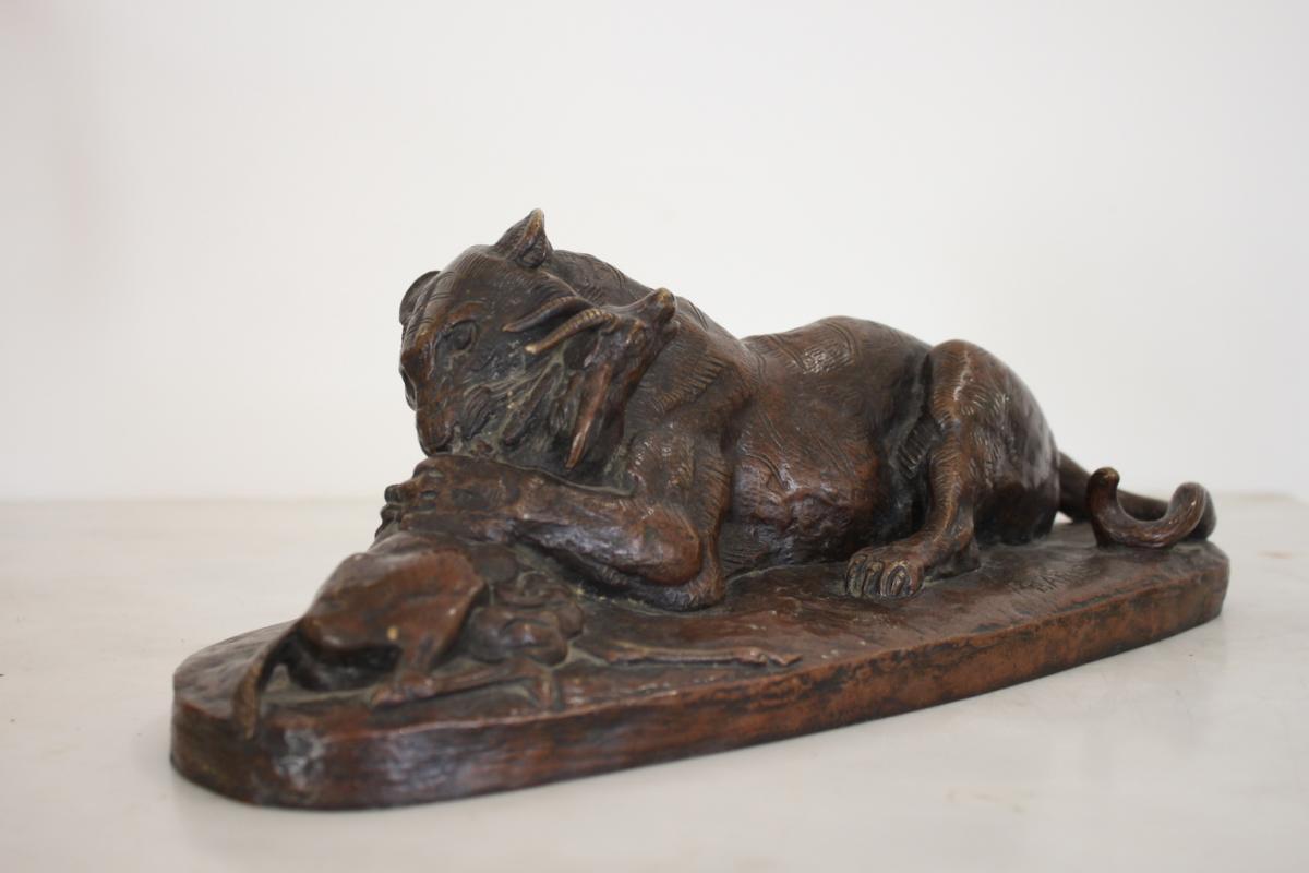 Bronze De Barye Lion Dévorant Une Antilope XIXème Siècle