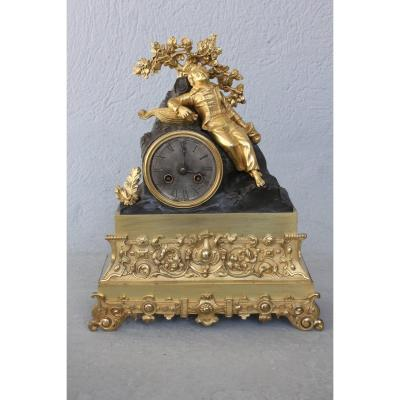Late 19th Sleeping Violin Player Clock In Gilt Bronze