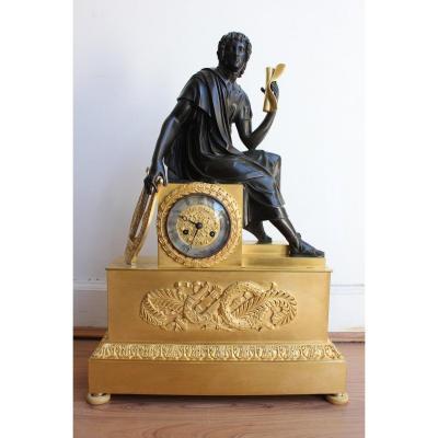 Pendule  Représentant Un Personnage à l'Antique XIXème Siècle