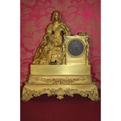 """Pendule en bronze doré""""Les heures de Madame de Sévigné"""", époque Charles X, XIXe siècle"""