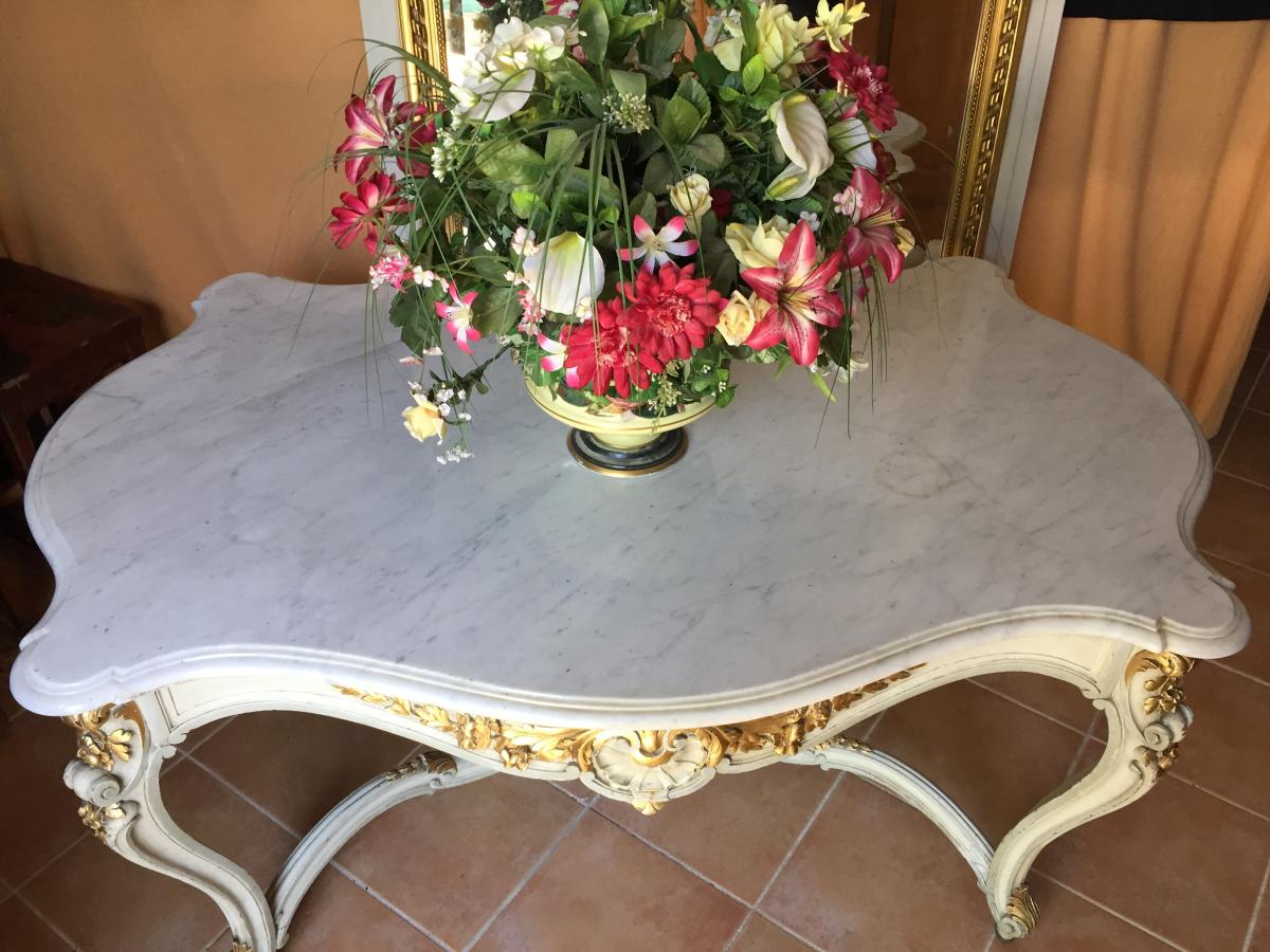 Large Middle Table Or Gold Rechampie Presentation