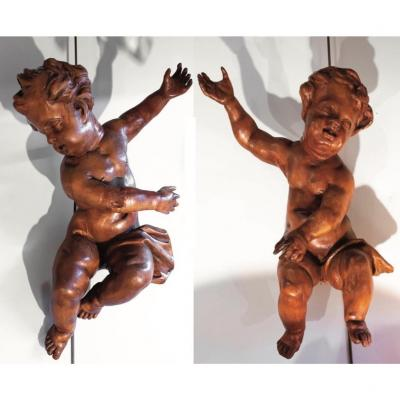 Pair Of Putti In Lime Wood XVIII