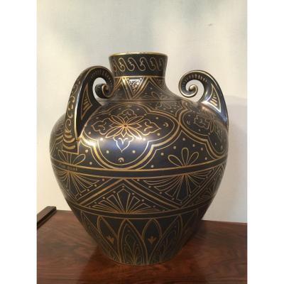 PINON-HEUZE (XXème siècle) - Vase de style étrusque