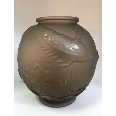 LORRAIN (Daum) - Vase boule aux poissons