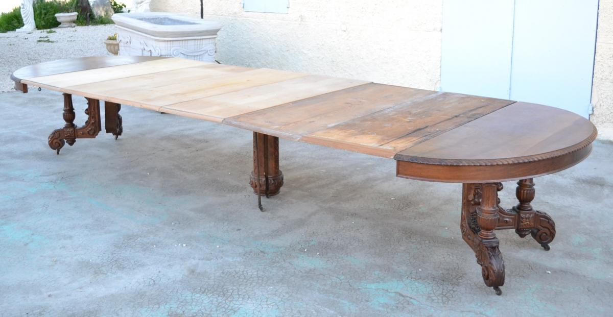 Importante Table à Pied Centrale
