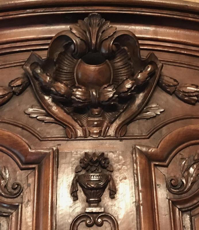 Monumental Armoire Lyonnaise-photo-4