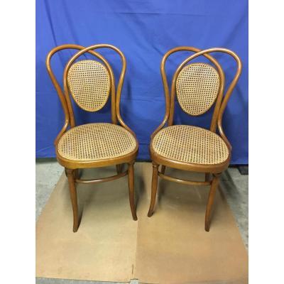Paire de chaises Thonet-Fischel