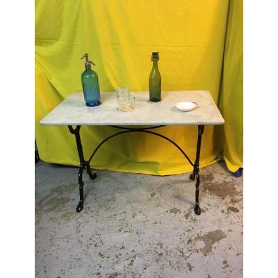 Table de bistrot dessus marbre