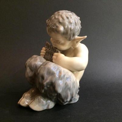 Porcelain Wildlife Figure. Royal Copenhagen