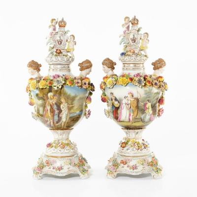Une Paire De Grands Vases En Porcelaine. Dresde. H-72cm