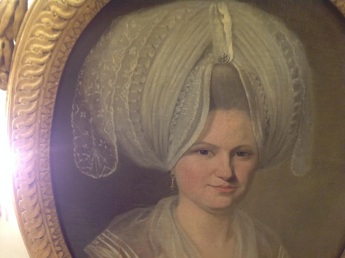 Portrait d'Une Jeune Femme  d'époque 18 Eme Siècle Ovale Dans Son Cadre d'Origine -photo-4