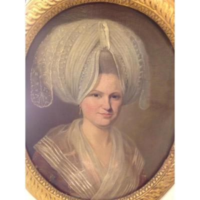 Portrait d'Une Jeune Femme  d'époque 18 Eme Siècle Ovale Dans Son Cadre d'Origine