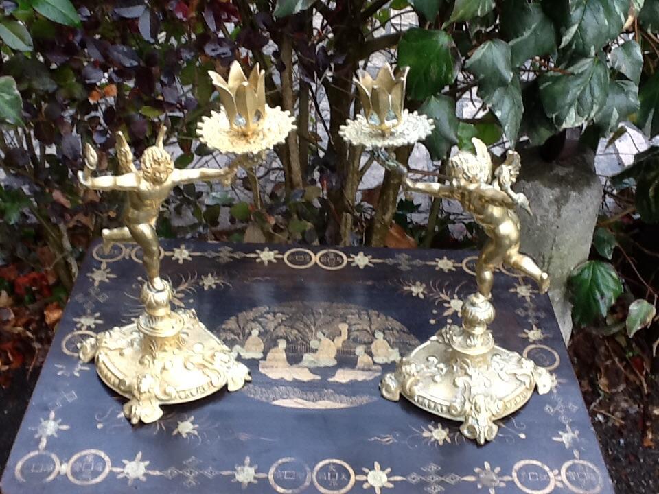 Paire Petits Bougeoir Aux Angelots En Bronze
