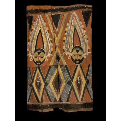 Papouasie, écorce Peinte Abelam D Une Haus Tambaran