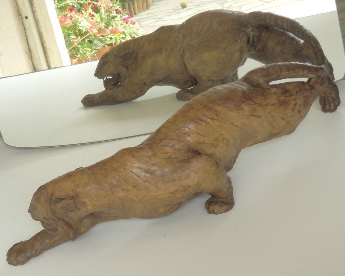 Tigre Terre Cuite, Longue Sculpture Signée, Vers 1900: Bon état