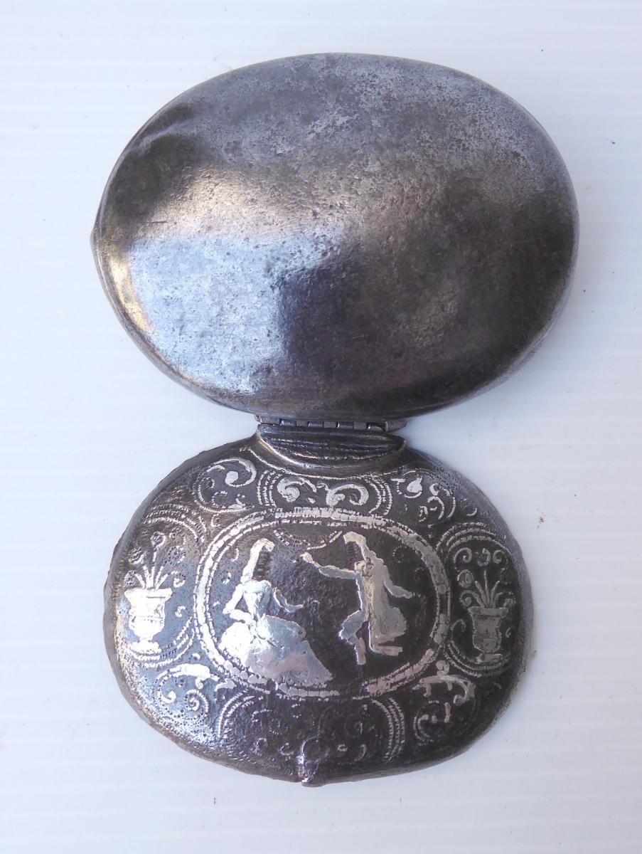 Tabatière De Fer Damasquiné d'Argent, Estampille, Vers 1650, Mauvais état