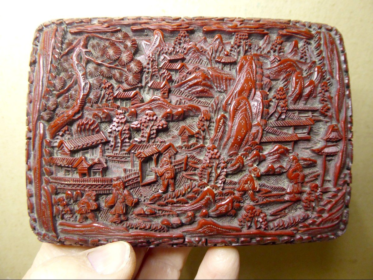 Fully Engraved Cinnabar Red Chinese Lacquer Box, 19th Century-photo-3