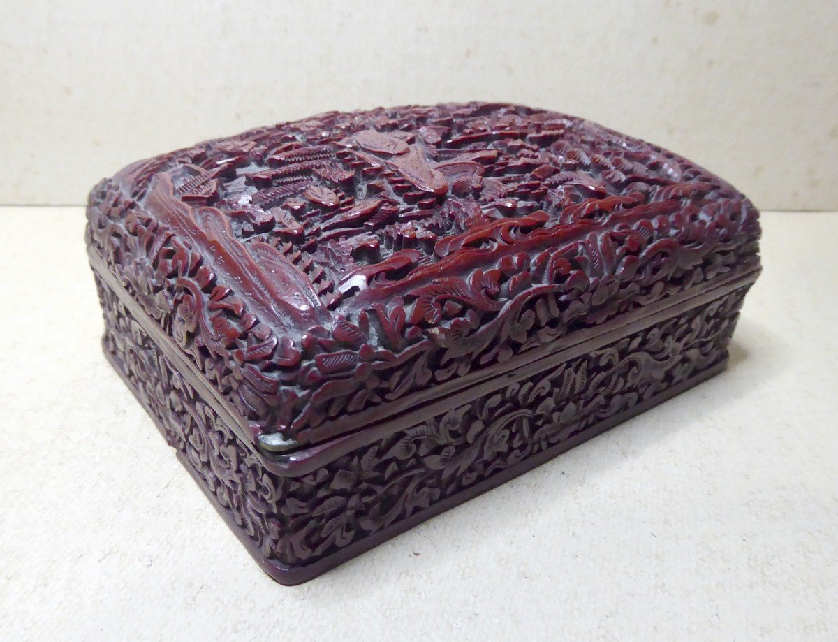 Fully Engraved Cinnabar Red Chinese Lacquer Box, 19th Century