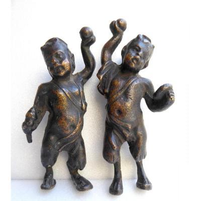 Époque Louis XIV: Paire De Petits Faunes En Bronze, Ameublement.