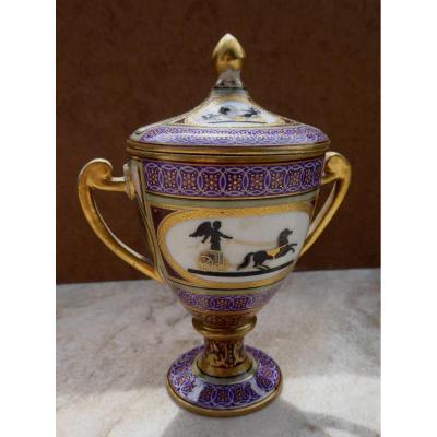 Précieux Petit Drageoir Couvert, à Décor Pompéien, Porcelaine De Vienne Début XIXe