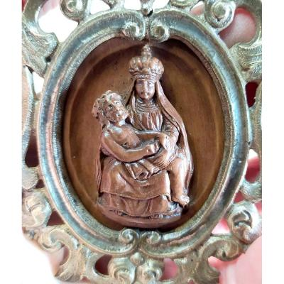 Mater Dolorosa Carved Boxwood, Small 17th Century Monstrance