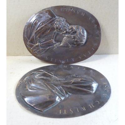 Paire de plaques  aux profils Bronze, Pays Bas vers 1650, traces de dorure