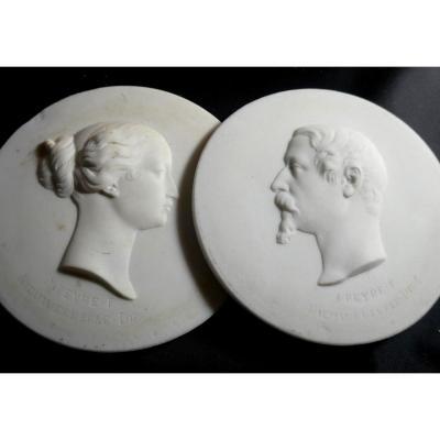 Paire De Médaillons Biscuit De Sèvres, Napoléon III Et Eugénie
