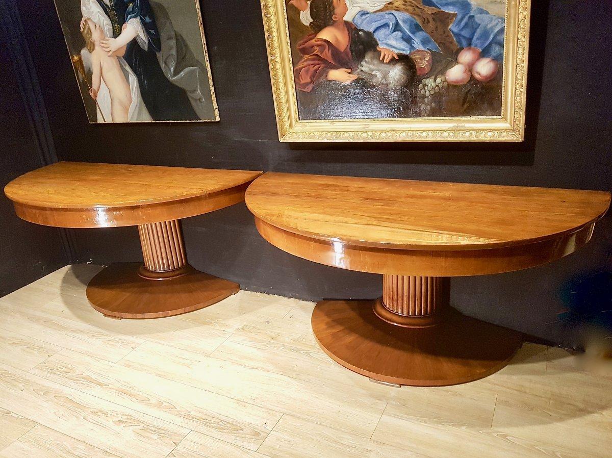 Paire De Consoles, Table,  En Noyer, Début XIXe (diamètre 156cm)