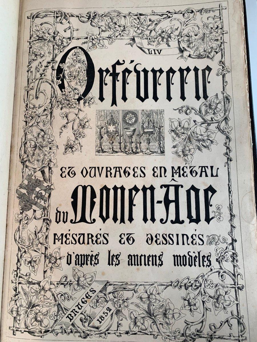 Bougeoir à main  de stil Néo-gothique en argent -photo-1