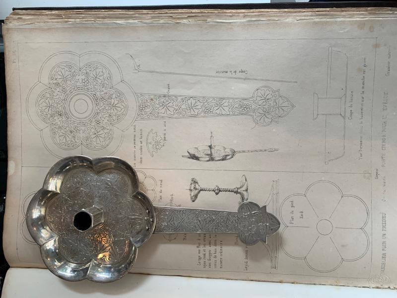 Bougeoir à main  de stil Néo-gothique en argent -photo-2