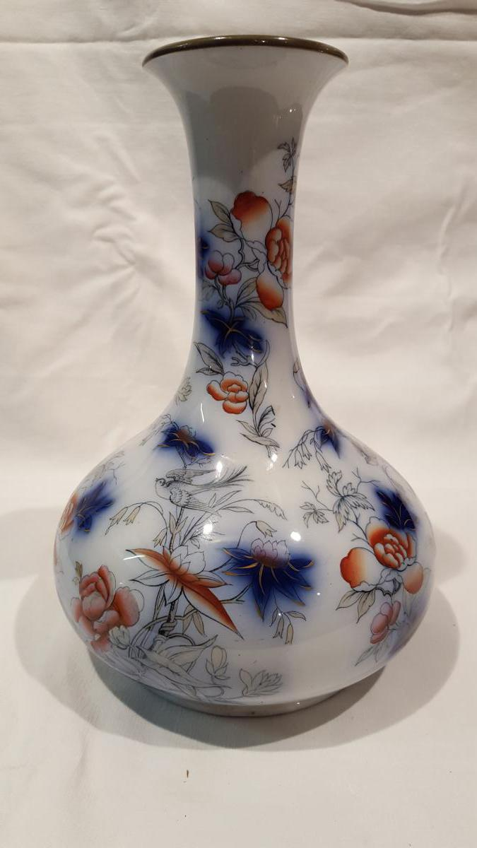 Vase En Porcelaine De Bayeux