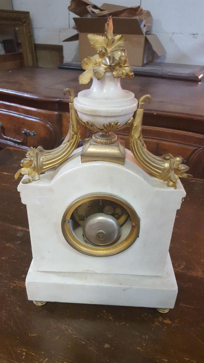 White Marble And Gilded Bronze Clock-photo-2