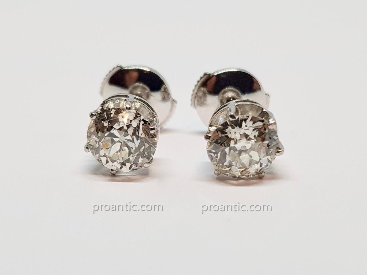 Boucles d'Oreilles Diamants 2 Carats en Or Blanc 18 Carat 750/1000 2.55 Grammes
